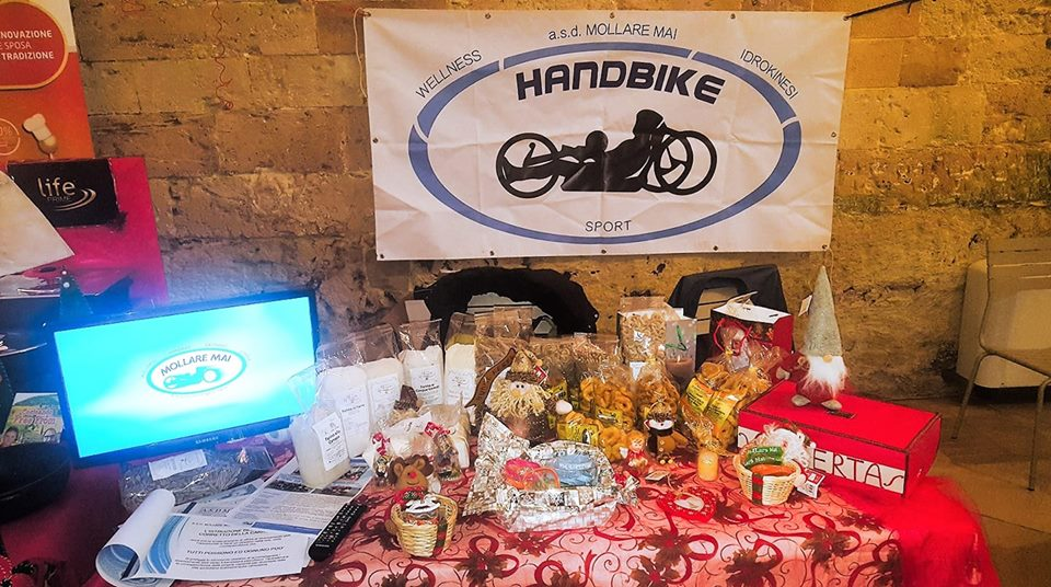 ASD Mollare mai presente ai mercatini di natale per il sostegno dei disabili nella provincia di Lecce